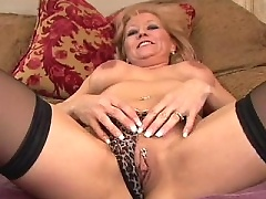 Black-stockinged milf anally exploited